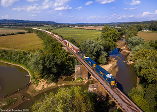 CSX H706 Over Salt Creek