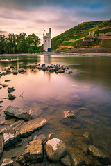 Museturm / Mouse Tower (ChrisTalentfrei) Tags: bingen rhein rhine river fluss museturm long exposure langzeibelichtung sony a7ii ilce7m2 haida nd neutraldichtefilter filter burgruine ehrenfels binger loch sigma 20mm f18 wideangle weitwinkel perspective pov sunset sonnenuntergang herbs fall autumn colorful colors sky sun