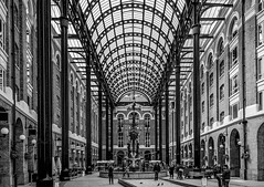 Hays Galleria (Peter J Moore) Tags: bw london repetition haysgalleria favescontestwinner thepinnaclehof tphofweek198