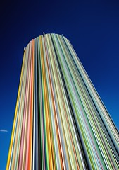 Arc en ciel (Jack from Paris) Tags: blue sky sculpture paris art la rainbow nikon angle wide moderne bleu ciel 24mm capture dfense color monolithe f110 nx2 ligthroom d700 nikkorafs24mmf14ged jpr9465d700