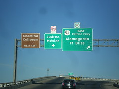 I-10 West at I-110/US-54 Ramps (sagebrushgis) Tags: sign texas elpaso intersection i10 overhead us54 i110 biggreensign freewayjunction chamizalcoliseum