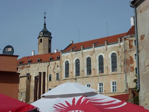 Południowa ściana zamku w Jaworze od wschodu