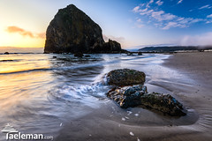 Haystack Rock at Sunset (Kris Taeleman) Tags: sunset usa oregon pacificocean oregoncoast grizzly cannonbeach haystackrock northernoregon