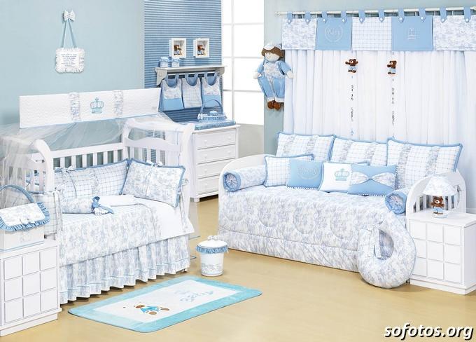 quarto de bebe azul e branco