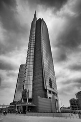 TORRE GARIBALDI (bastalex) Tags: leica torre milano piazza gae 18mm unicredit aulenti superelmarm18mmf38 m9p ilobsterit