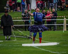 Neil Elliot - Weight Thrower (FotoFling Scotland) Tags: bute butehighlandgames event neilelliott rothesay sport backhold highlandgames isleofbute kilt weightthrow