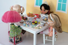 Booger's Magical Tea Party 228/365 (bad_juju2) Tags: olive booger trinket vernon teaparty 365blythe