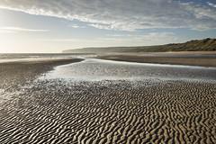 Sand patterns at Filey bay (Keartona) Tags: filey bay beach sea coast landscape morning beautiful yorkshire england britain september shore sand patterns pattern natural water