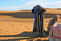 Desert Dressing (Ellsasha) Tags: morocco desert camel cameldriver camelherder scarf headware headdress arab northafrica sahara twop