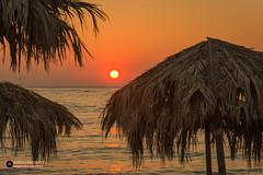 Sunset Lesbos (Fotografie, Gouda) Tags: lesbos vakantie holiday greece griekenland hellas sunset sunlight sunsetlight beach rinuslasschuyt lasschuyt nikon nikond7200 parasol insel zee sea lesvos