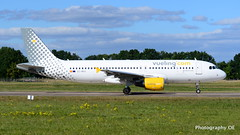 Vueling A320 (dirko321) Tags: flugzeug aircraft airlines vueling haj hannoverairport airbus