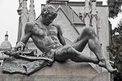 Cimitero Monumentale di Milano (michael_hamburg69) Tags: italien italy sculpture friedhof milan male cemetery statue milano skulptur cimitero monumentale mailand lombardei