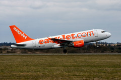 easyJet G-EZFG (Howard_Pulling) Tags: camera uk england march photo airport nikon bedfordshire flughafen luton lutonairport flug 2013 pictureof londonluton hpulling howardpulling nikond5100