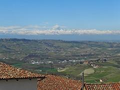 ..e lo sguardo si perde! (g.fulvia) Tags: montagne italia piemonte diano colline langhe dalba