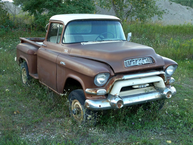 abandoned rust michigan rusty harborsprings shortbed 1956gmcnapco4x4pickuptruck 1956gmc100pickuptruck