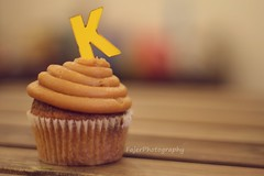 K (Fajer Alajmi) Tags: wood caramel cupcake letter كيك حرف خشب كراميل بيج كب عزل