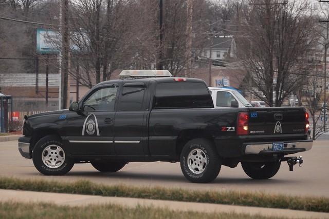 black car truck police pickuptruck missouri saintlouis stlouismo chevroletsilverado stlouismetropolitanpolice