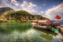 Dalyan, Turkey (Nejdet Duzen) Tags: trip travel cloud mountain turkey boat canal flag trkiye kanal turkishflag dalyan bulut da bayrak turkei seyahat mula trkbayra gezimotoru