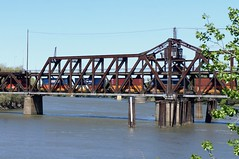 stack train on the I Street Bridge (Sacramento, CA) (t55z) Tags: california bridge train river sacramento swingbridge sacramentoriver freighttrain unionpacificrailroad stacktrain