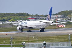 United Airlines Boeing 777-200 N212UA (ta152eagle) Tags: united airlines unitedairlines  b777200