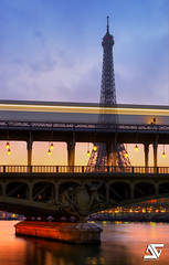 First glow (A.G. Photographe) Tags: paris france reflection seine sunrise subway french metro eiffeltower reflet toureiffel ag pont pniche reflexion franais hdr parisian anto birhakeim brage xiii levdesoleil parisien pridge antoxiii agphotographe