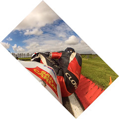 Cadwell Park (Furious Zeppelin) Tags: park two me corner video still san rep carlo trackday charlies cadwell cbr600rr gopro simoncelli furiouszeppelin fz