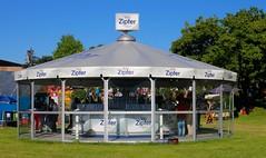 Linzfest 2013 -Tag 1 (austrianpsycho) Tags: people linz leute dach pavillon zipfer absperrgitter 2013 linzfest 18052013 linzfest2013