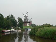 Greetsiel twinmills (achatphoenix) Tags: greetsiel zwillingsmhlen twinmills weitwinkel krummhrn eastfrisia ostfriesland lowersaxony moulinvent windmill windmills