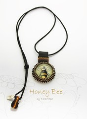 honey bee beaded necklace (Ezartesa) Tags: beenecklace beecabochon blackandyellow beadednecklace seedbeadnecklace