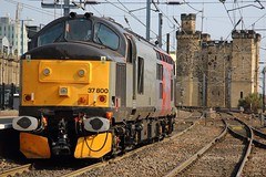 37800 (Rob390029) Tags: europhoenix rog rail operations group class 37 diesel loco locomotive 37800 train track tracks rails transport transportation newcastle central railway station ncl ecml east coast mainline castle keep