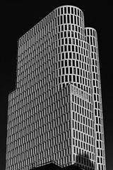 Upper-West (Berlin) (jotka*26) Tags: upperwest berlin jotka26 germany bw blackwhite monochrome endofsummer architecture architektur archdaily architectura architektuur christophlanghof jrgenengel shadows lightshadow skyscraper 2017