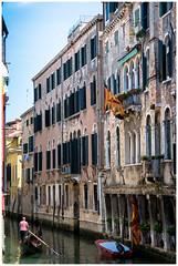 Venezia IV (Armando Alvarez) Tags: venecia venice venezia italia italy gondolier gondoliere gondola color colour nx300 travel viaje