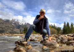 Snow melt (Andrew E. Larsen) Tags: water washington lakechelan papalars andrewlarsenphotography