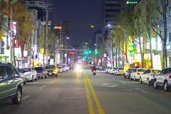 Night Road (Génial N) Tags: road night pentax streetlights korea seoul nightlight pentaxk01