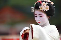 Maiko Odori Performance (Teruhide Tomori) Tags: portrait japan dance kyoto performance maiko   kimono tradition japon odori     canonef300mmf28lis  canoneos5dmark