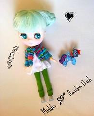 Middie ♥'s Rainbow Dash