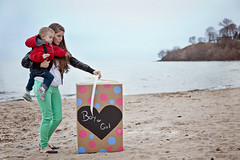 Dez - Gender reveal (Captured by Candice St. Jean) Tags: family boy baby lake girl canon balloons sand or overcast pregnant maternity l f4 gender reveal 6d 24105 highquality