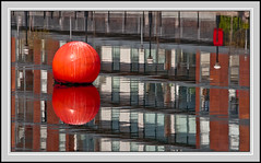 Red Buoy Salford Quays (thenikonkid) Tags: salfordquays bbc thestudio mediacity buoyant yearend13