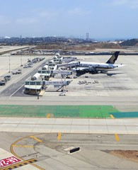 Los Angeles Int'l Airport (LAX) (LAXFlyer) Tags: window losangeles airport singapore gate view parking international airbus a380 remote lax airlines 380 singaporeairlines airbus380