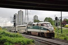 OVERPASS (Spallumcheen) Tags: bc diesel amtrak cascades burnaby locos 465