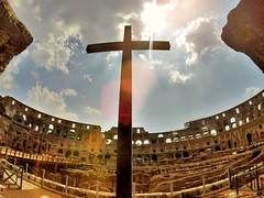 In the place where so many Christians were cruelly killed, now it is a cross in memory of them.  /  En el lugar donde fueron asesinados muchos cristianos cruelmente, ahora se encuentra una cruz en memoria de ellos.    #GoPro #GoProMx #GoProTravel #PhotoOf (abrahammojica1) Tags: coliseo lovetogopro me goprooftheday rome romancoliseum colosseum arcodeltriunfo roma gopromx coliseum fotodelda mxico mochileromx europe italia triumphalarch travel goprohero gopromoff gopole goprotravel inspiredbyyou italy beahero coliseoromano gopro ab picoftheday instagood photooftheday