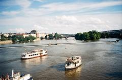 Bonn e Praga (mooluscos) Tags: prague bonn deutschland chezc republic europe west lomo lomography analog pentax agfa film filmphotography film35mm negative eurotrip travel world