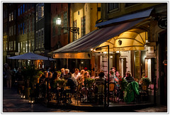 Stockholm; Gamla Stan (drasphotography) Tags: stockholm sweden schweden sverige gamla stan old town cafe streetphotography nightshot night nacht nachtaufnahme drasphotography nikond7000 nikon d7k travel travelphotography reise reisefotografie