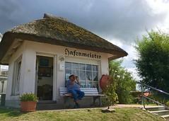 Hafenmeister (hellrac3r) Tags: rgen ostsee germany balticsea architektur gebude outdoor menschen people