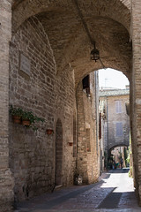 Via del pozzo (n'oras_et_narie) Tags: assisi italie italia umbria assise ombrie