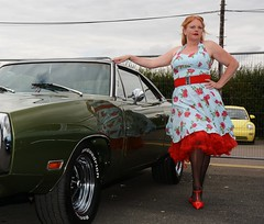 Ange L'Que_8817 (Fast an' Bulbous) Tags: nylons stockings stilettos high heels dress car vehicle american classic oldtimer girl woman hot sexy milf mature