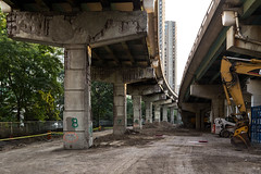 20160911. This is where the Gardiner Expressway's future Simcoe Street off-ramp will land. (Vik Pahwa Photography) Tags: vikpahwacom vikpahwaphotography toronto gardiner expressway highway freeway totransport ramp cityplanto cityoftoronto transportation infrastructure roads construction simcoestreet downtown