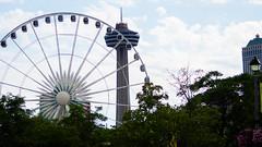 Ferris wheel & Skylon tower (u/sky) Tags: niagarafalls niagara fall falls skylon tower skylontower ferriswheel ferris wheel canada ontario southernontario