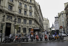 Espaa - Madrid (Nailton Barbosa) Tags: espaa madrid calles de spanien strasen nikon d80          streets        madrids gader spain espagne rues    spagna strade di    spania      hiszpania madryt ulic madrytu panlsko    ty ban nha la strada motorrder  motorcycles      motos moto motorfietsen motocykle