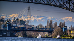 Fremont Bridge (Paddy O) Tags: seattle water sunshine easter mom boat dad pat fremont jenn tugboat ballard lakeunion aurorabridge gasworkspark fremontbridge ballardlocks 2013